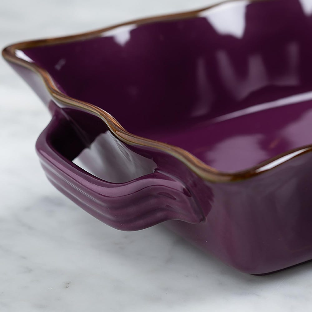 76946_KSP_Tuscana_Medium_Rectangle_Fluted_Bakeware_with_Handle__Purple