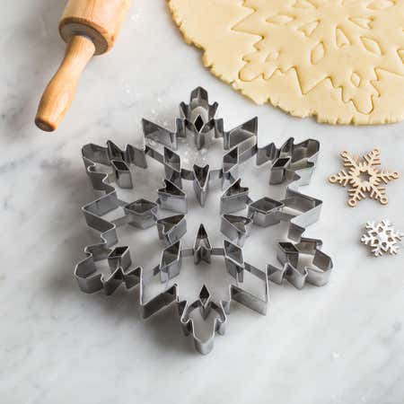 88644_Chloe's_Kitchen_Christmas_Shapes_7__'Snowflake'_Tin_Cookie_Cutter