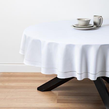 89484_Harman_Hemstitch_70__Round_Polyester_Tablecloth__White