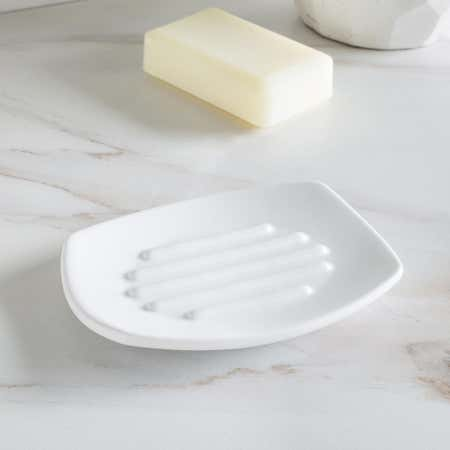 89990_Umbra_Corsa_Ceramic_Soap_Dish__White