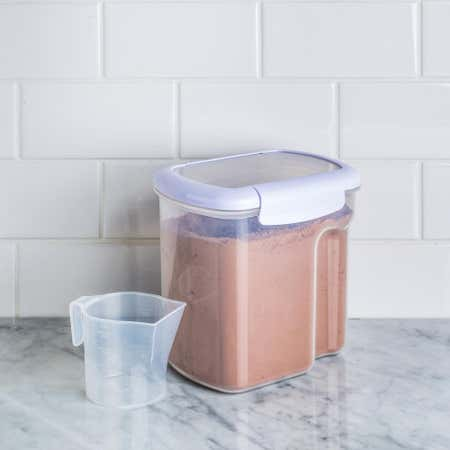 90299_Locksy_Bake_N_Lock_2_4L_Container_with_Measuring_Cup__White