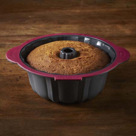 92571_Trudeau_Structure_Silicone_Fluted_Cake_Pan__Fuchsia_Grey