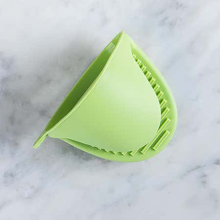 93050_KSP_Colour_Splash_Silicone_Pot_Holder__Light_Green