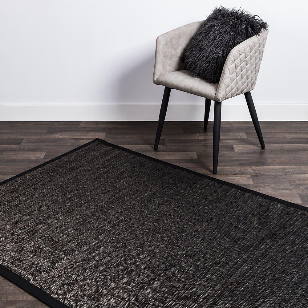 """Harman Textaline 'Trace' 48""""x72"""" Vinyl Indoor-Outdoor Mat (Black)"""