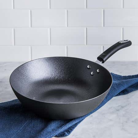 95018_Starfrit_Rapid_Heat_12__Cast_Iron_Wok__Black