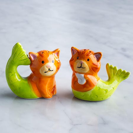 95877_Boston_Warehouse_Flea_Market_'Tiger_Pur_Maid'_Salt_and_Pepper_Shaker