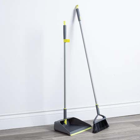 96682_Casabella_Wayclean_Upright_Deluxe_Dustpan___Broom___Set_of_2