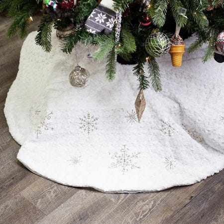97693_KSP_Christmas_Decor_Tree_Skirt_Sequins_with_Snowflake__White