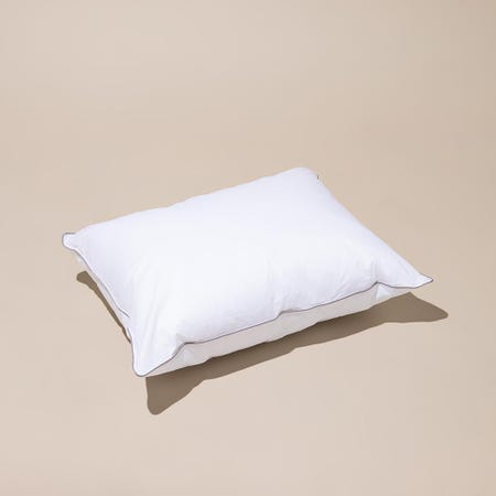97908_Cotton_House_Hotel_Comfort_Microfiber_Gel_Pillow__White