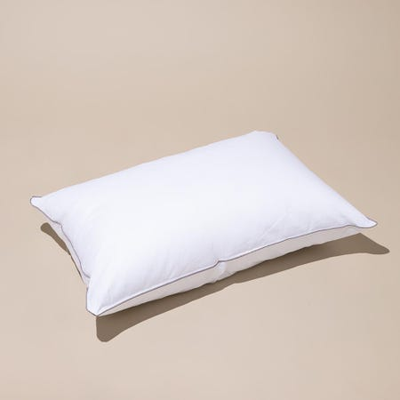 97909_Cotton_House_Hotel_Comfort_Microfiber_Gel_Pillow___Queen____White