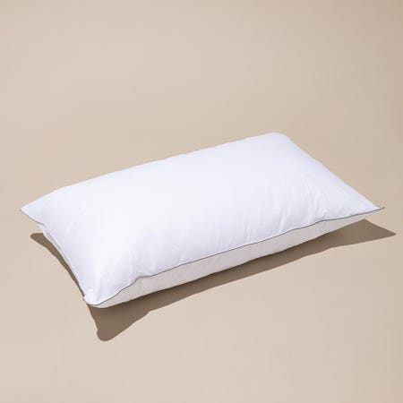 97910_Cotton_House_Hotel_Comfort_Microfiber_Gel_Pillow___King____White