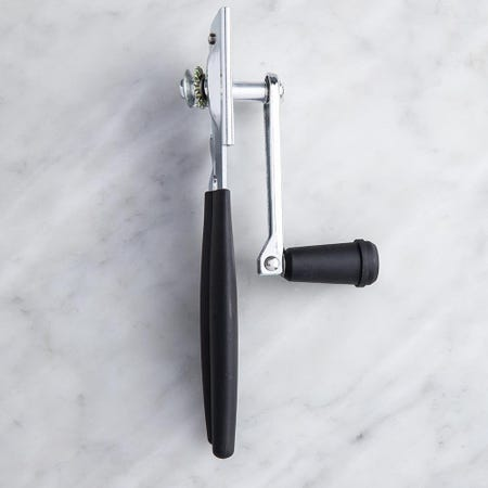 99289_Swing_A_Way_Soft_Grip_'Long_Handle'_Extra_Easy_Can_Opener