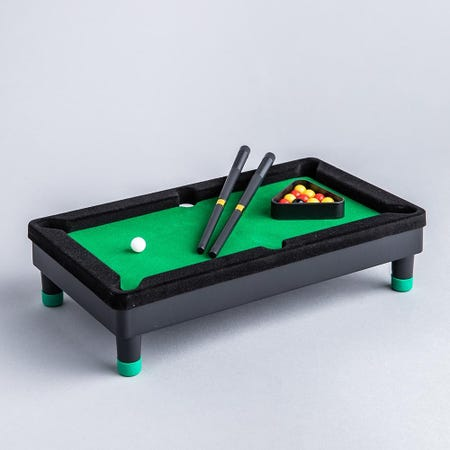99819_Fun_Trendz_Mini_Pool_Table_Game